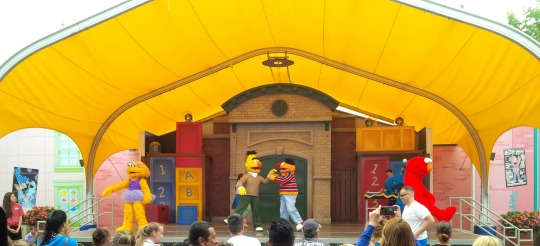 rocking with elmo at sesame place