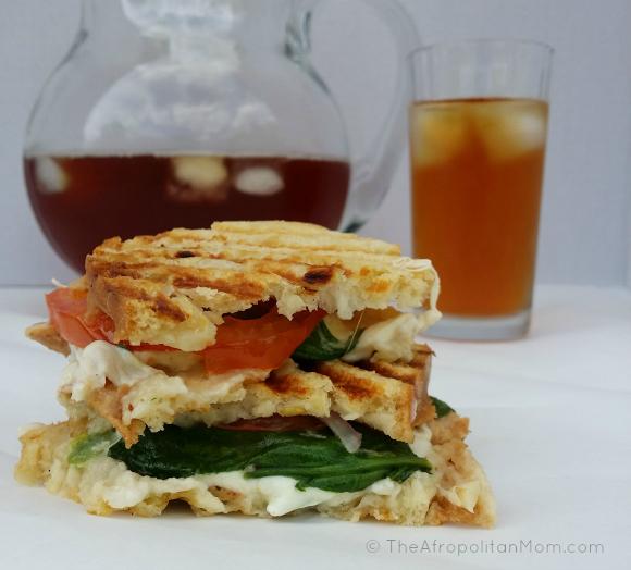 Easy Chicken Mozzarella & Spinach Panini #cbias #TEArifficPairs