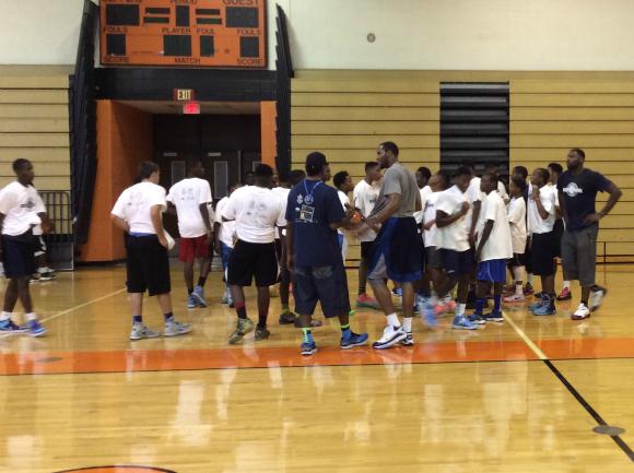 Tyreke Evans and VSP Vision Care Host Basketball Camp for Kids
