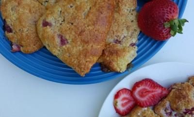 Easy Strawberry Oat Scones Recipe