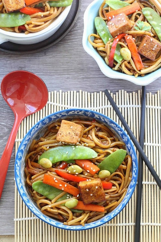 slow-cooker-vegetable-lo-mein-makes-the-perfect-easy-weeknight-meal3