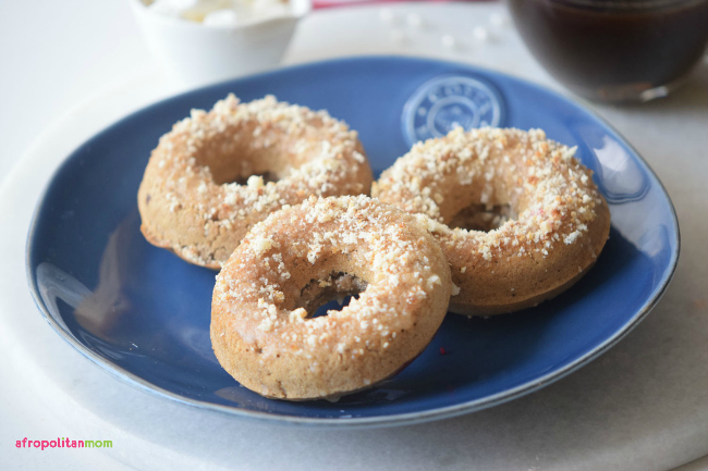 coffee-cake-donuts-with-crumb-toppings