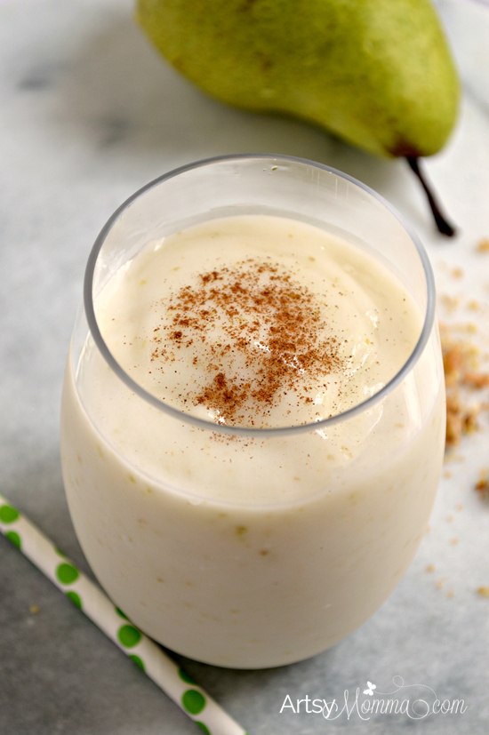 pear-smoothie-with-cinnamon-granola