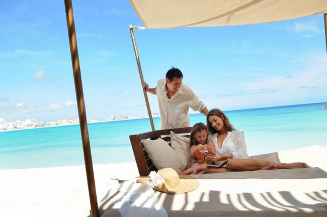 Club Med Jump Sale  ClubMedCancanYucatanFamilyBeach