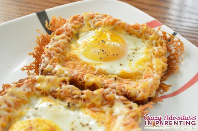 Cheesy-Baked-Egg-Toast-close-up