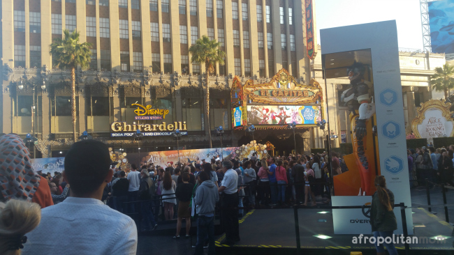 crowd at the Disney Alice premiere
