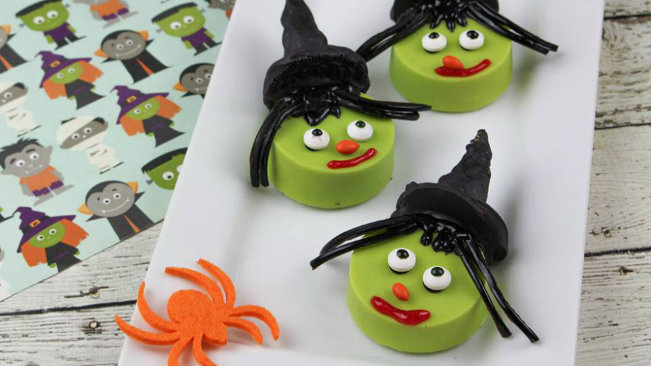 10 Quick + Easy Halloween Cookie Recipes - Wicked Witch Cookies - Halloween Dessert Recipe