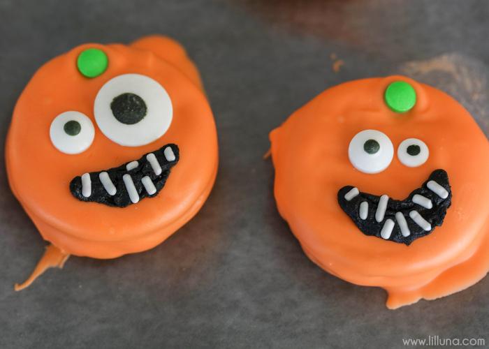 pumpkin-oreos-6