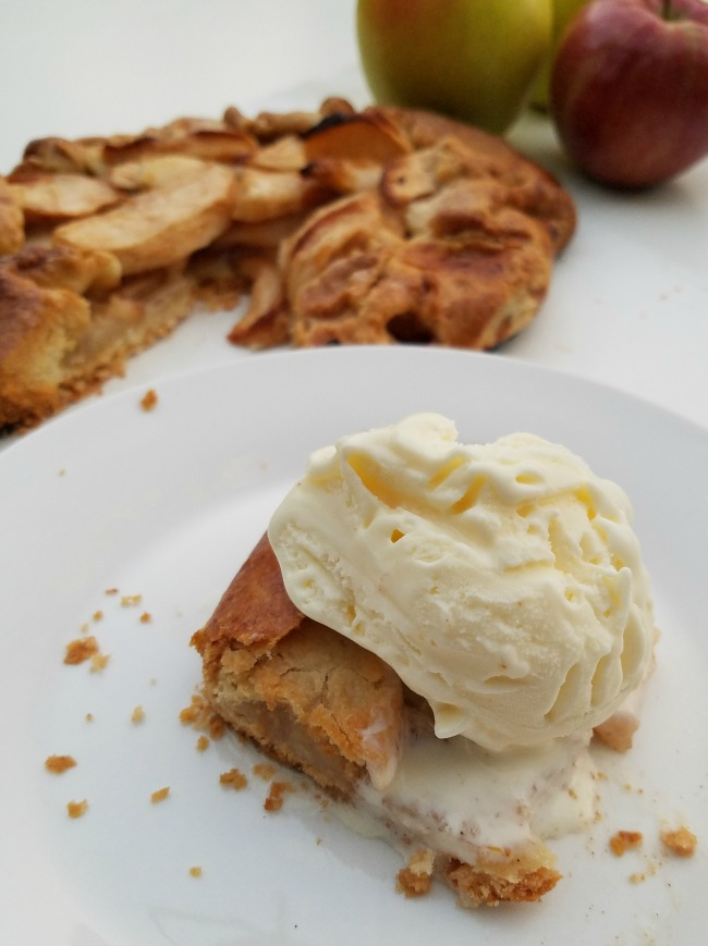 Rustic Apple Tarte