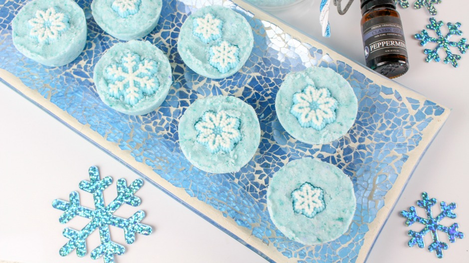 DIY Snowflake Bath Bombs