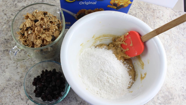 How to Make Peanut Butter Raisin Bran Cookies