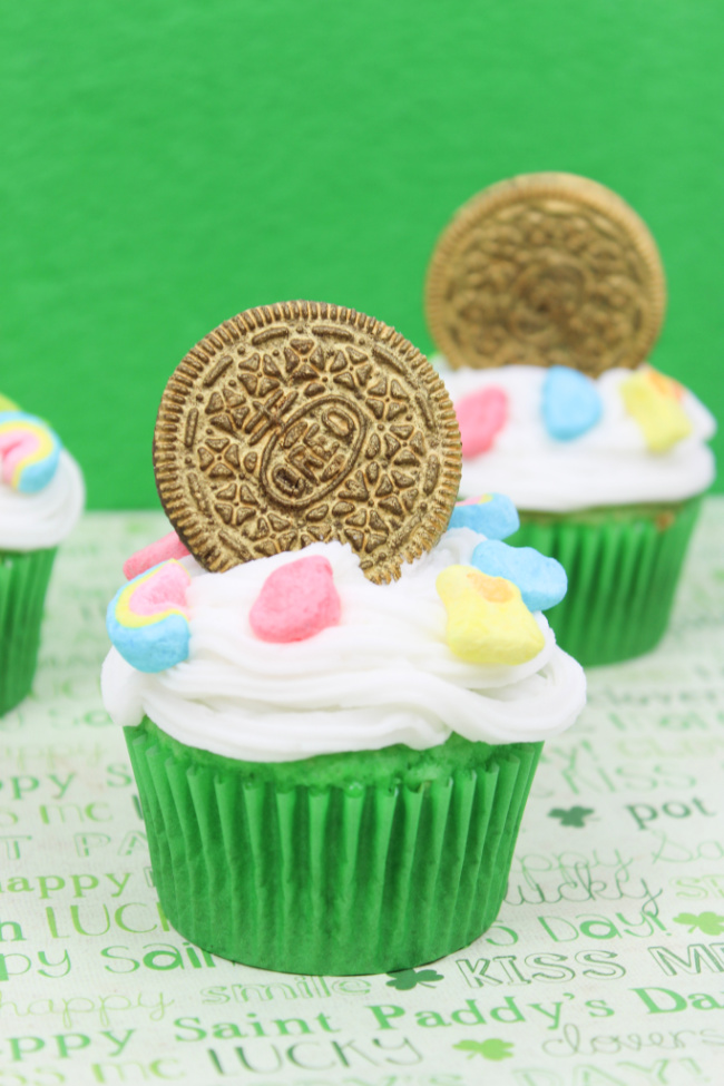 Lucky Charms Cupcakes - Fun St. Patrick's Day Treats
