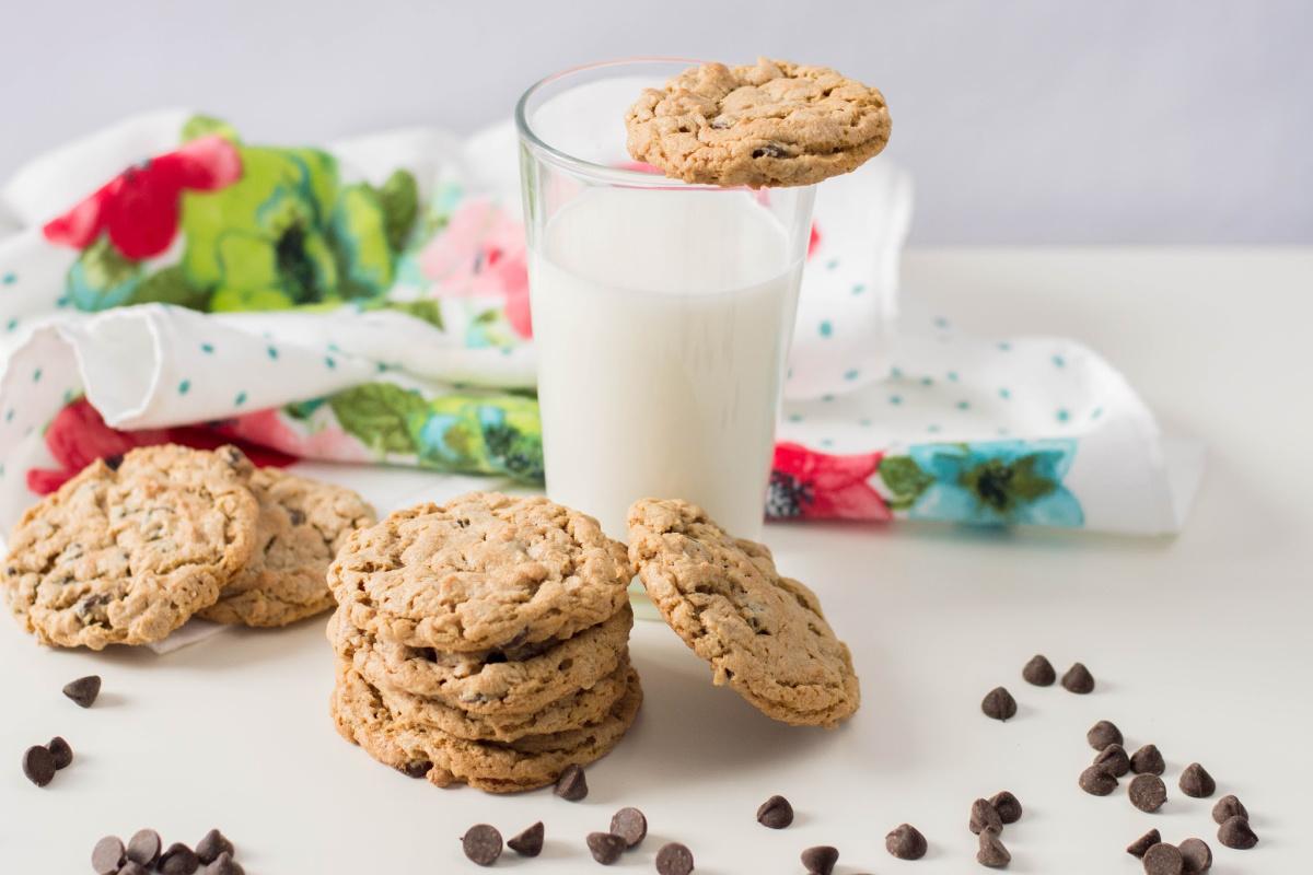 Flourless Chocolate Chip Peanut Butter Oatmeal Cookies Gluten-free