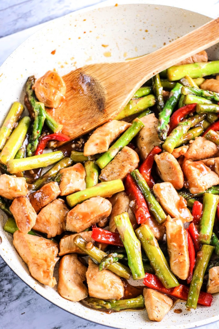 Chicken and Asparagus Stirfry