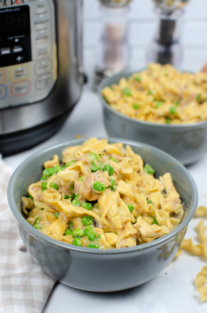 Instant Pot Tuna Casserole - Easy to make comfort food at it's best, creamy, delicious all in one pot, and is ready in less than 30 minutes.